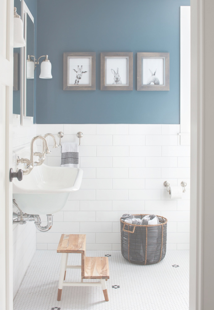 Amazing Blue-Hued Bathrooms That Will Help You Sell Your House | Pinterest in Luxury Blue Bathroom Interior Design