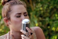Amazing Miley Cyrus – Jolene (Backyard Session) Hd – Enjoy – Youtube regarding The Backyard Sessions