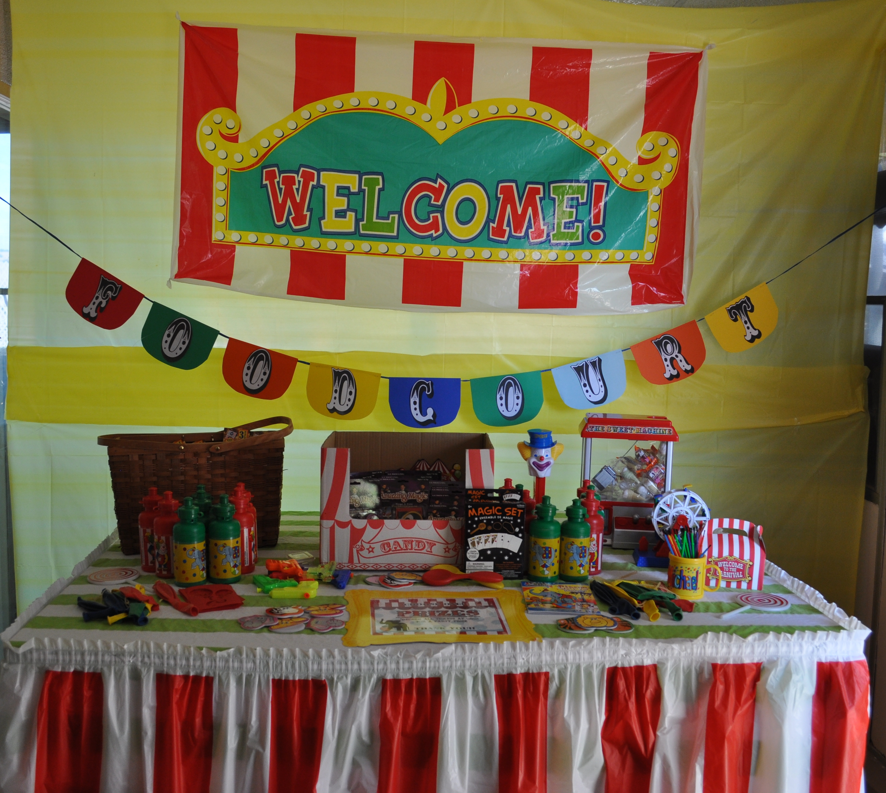 Amazing Party On A Budget: Backyard Carnival Party | Catch My Party throughout Luxury Backyard Carnival