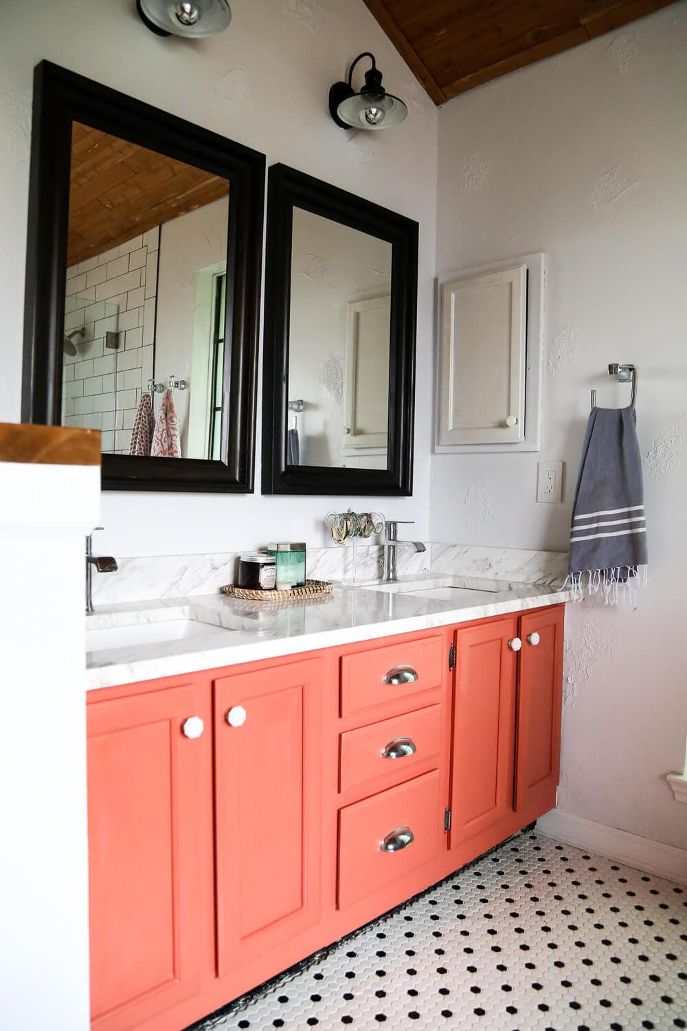 Beautiful Diy Bathroom Remodel (Ideas For A Budget-Friendly, Beautiful Remodel) in Lovely Bathroom Remodel Diy
