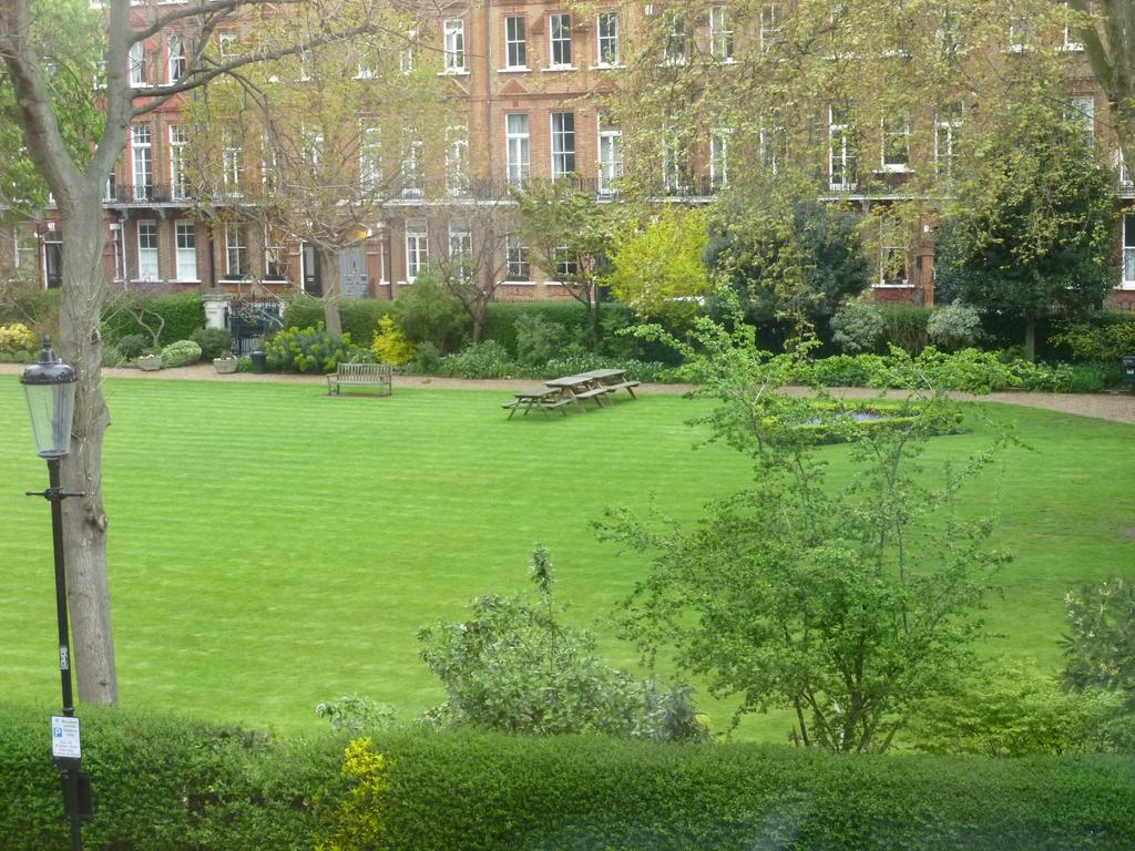 Beautiful Garden View Hotel, London, Uk - Booking inside Luxury Garden View Hotel