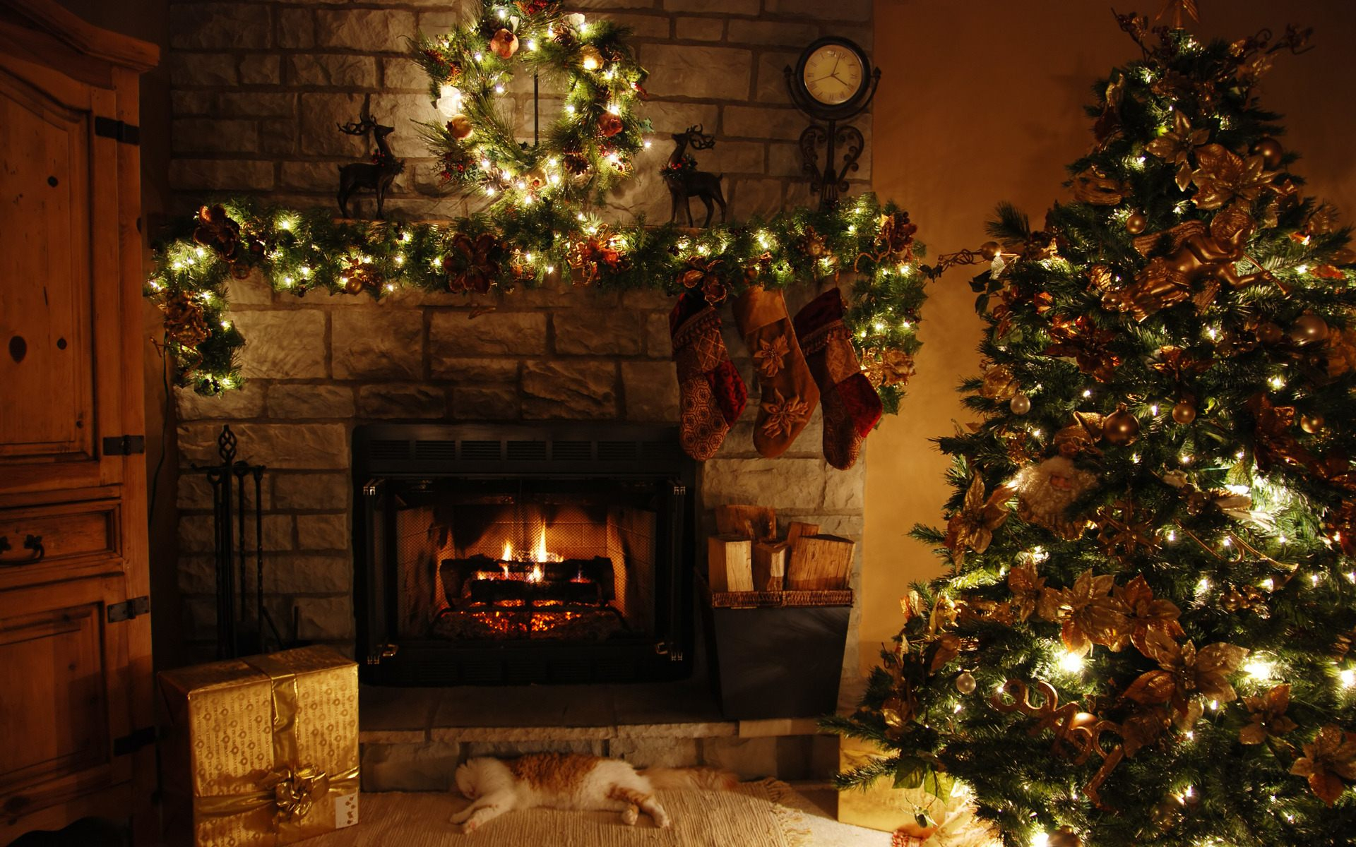 Beautiful Living Room : Christmas Living Room Christmas Decoration Items regarding New Christmas Living Room