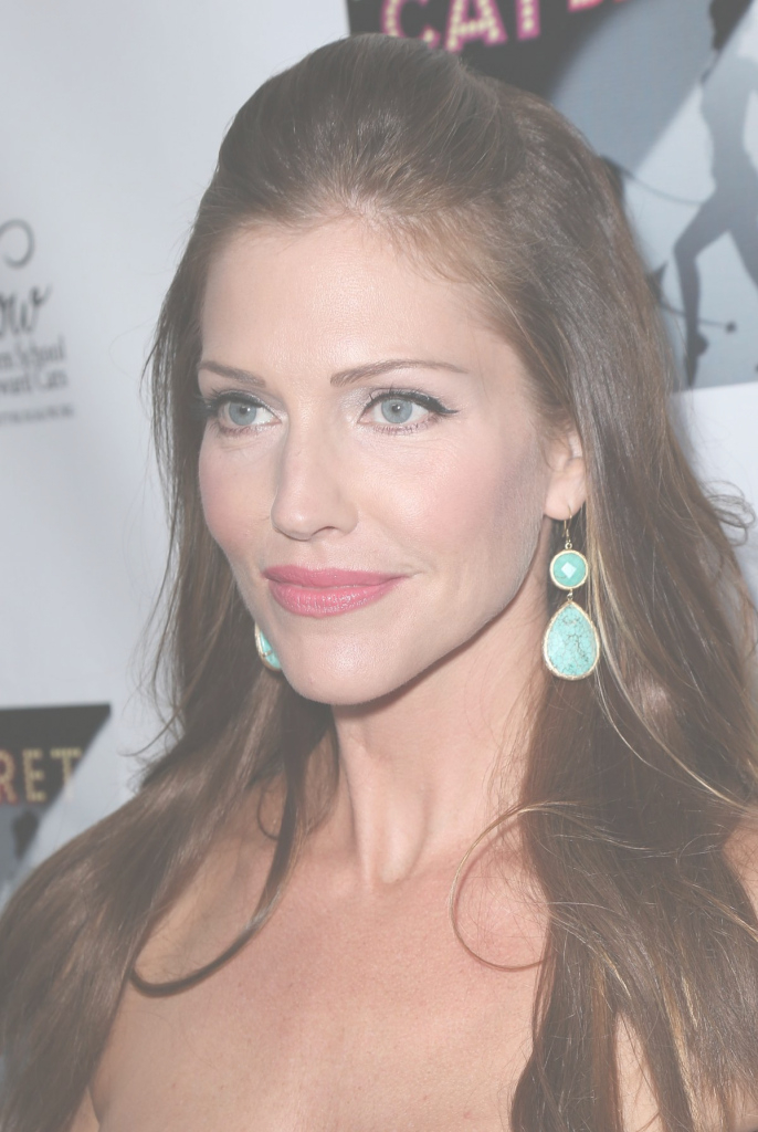 Cool Tricia Helfer At Cat Beret Musical Review For Kitty Bungalow Charm inside Good quality Kitty Bungalow