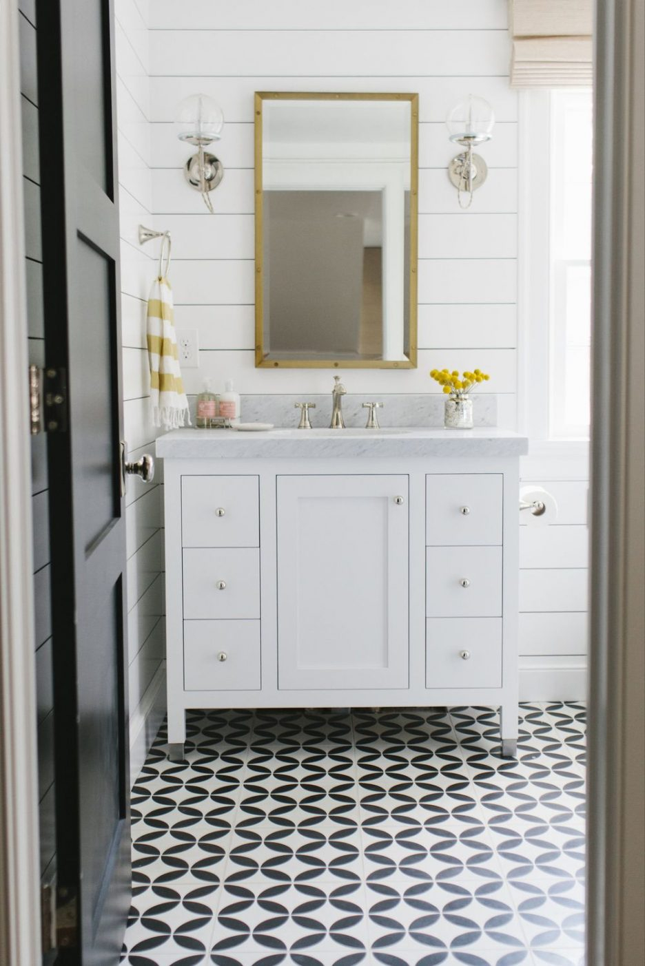 Elite Black And White Tile Lowes Vintage Black And White Bathroom Ideas for Good quality Vintage Black And White Bathroom Ideas