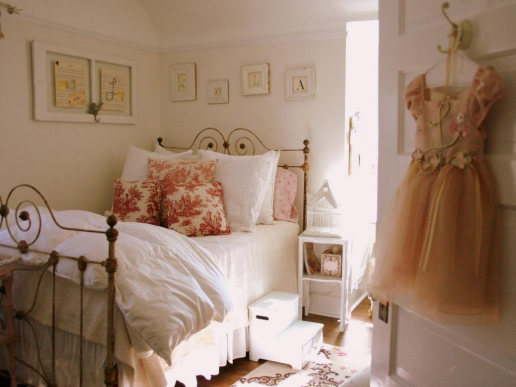 Elite White Concrete Wall Girls Vintage Bedroom Ideas Can Be Decor With intended for Vintage Bedroom Ideas For Small Rooms