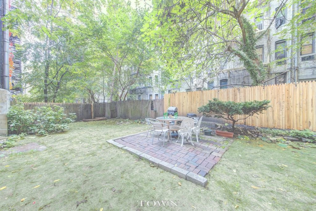 Elite Yorkville One-Bedroom With A Surprisingly Massive Backyard Wants within Apartments With Backyards
