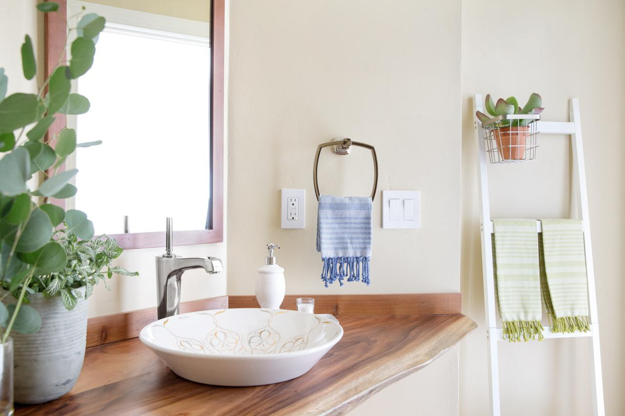 Epic 10 Paint Color Ideas For Small Bathrooms | Diy Network Blog: Made + for New Small Bathroom Paint Ideas