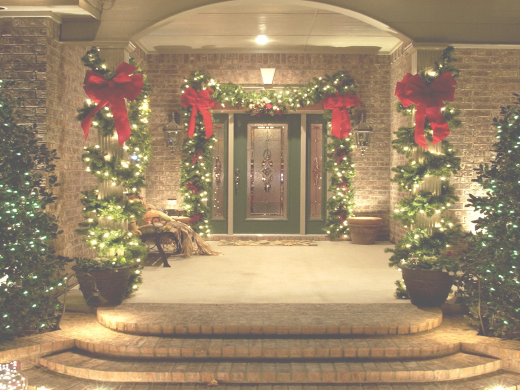 Epic 18 Most Striking Diy Christmas Porch Decorations That Will Melt Your for Christmas Decoration Themes