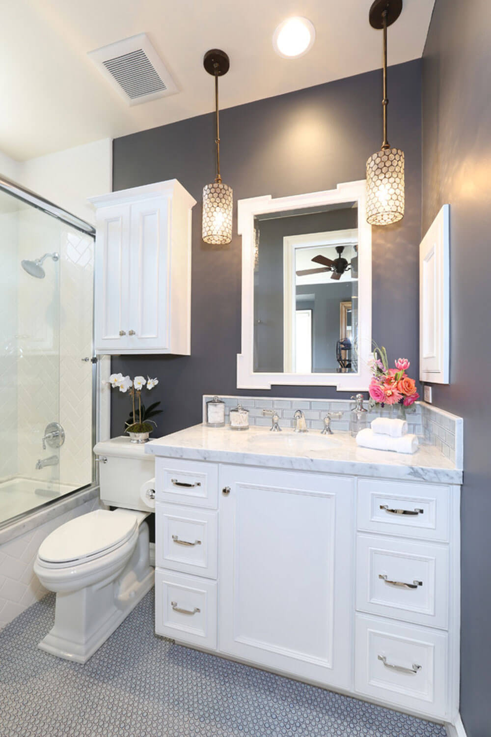 Epic 32 Best Small Bathroom Design Ideas And Decorations For 2018 with Ideas For Small Bathroom Remodel