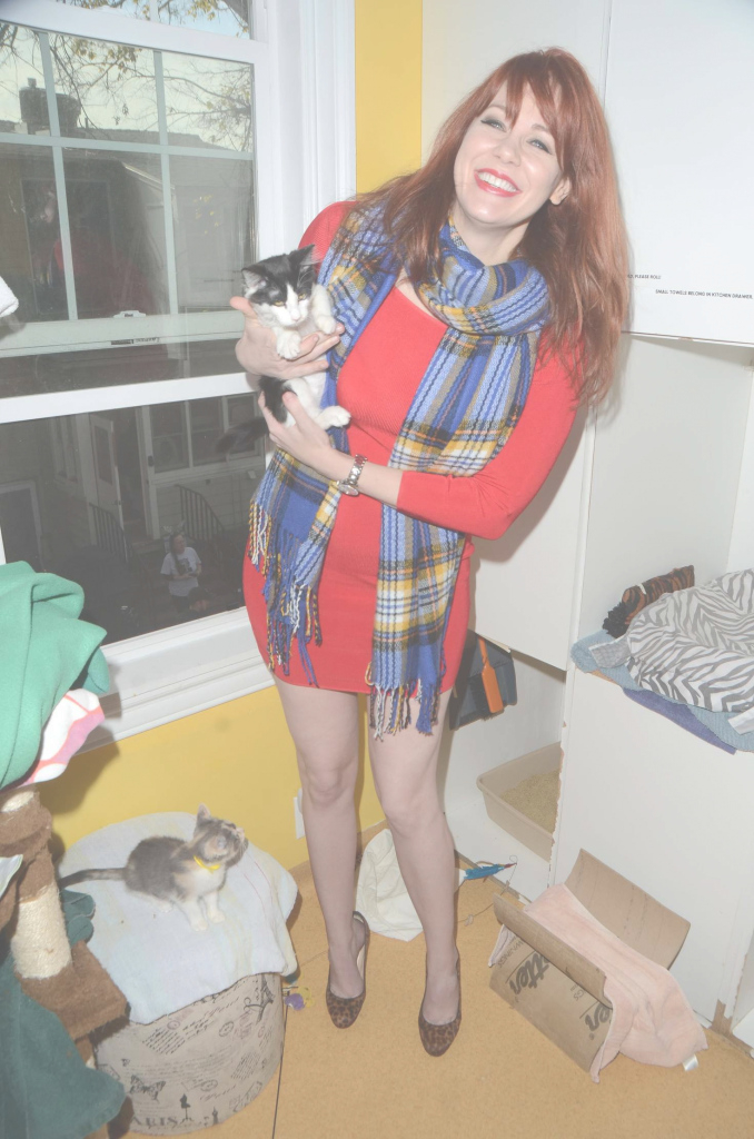 Epic Maitland Ward: Kitty Bungalow Hosts Holiday Soup Kitchen -15 - Gotceleb throughout Good quality Kitty Bungalow