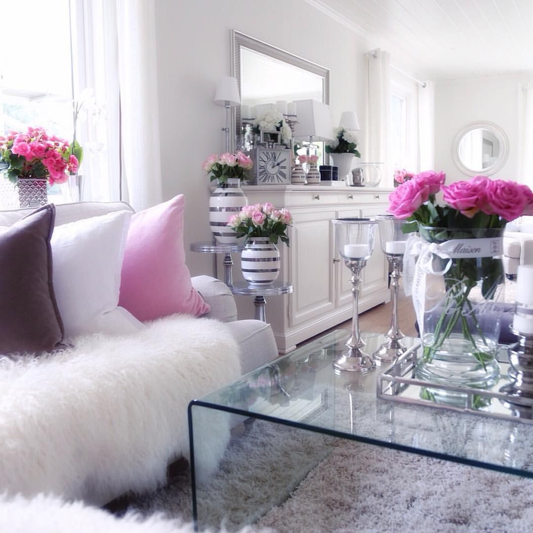 Epic Un Décor Tout Blanc Aux Accents De Rose | Home Sweet Home with regard to Unique Cute Living Room Ideas