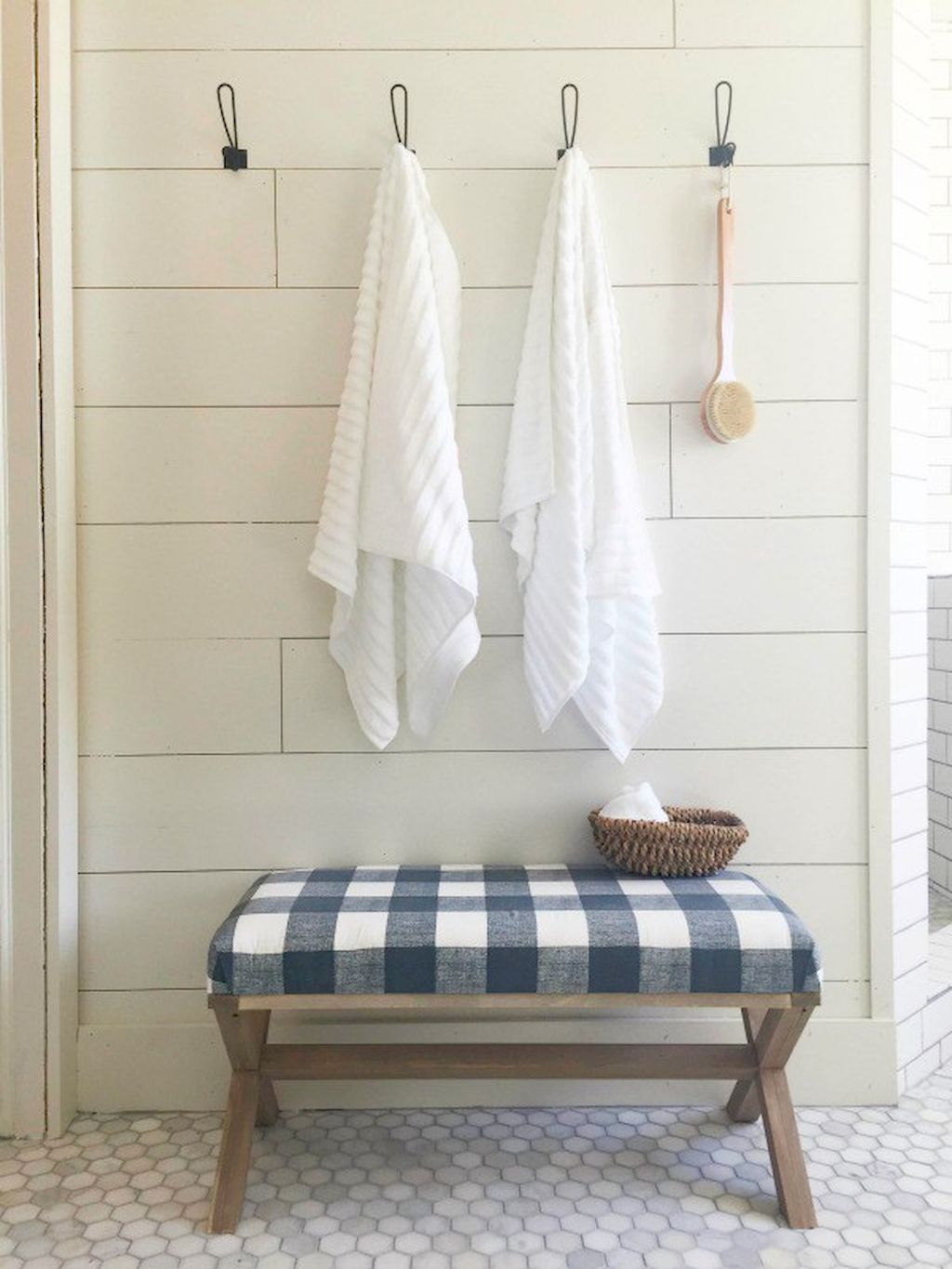 Fabulous 65 Rustic Farmhouse Bathroom Decor & Design Ideas | Rustic Farmhouse within Bathroom Bench Ideas