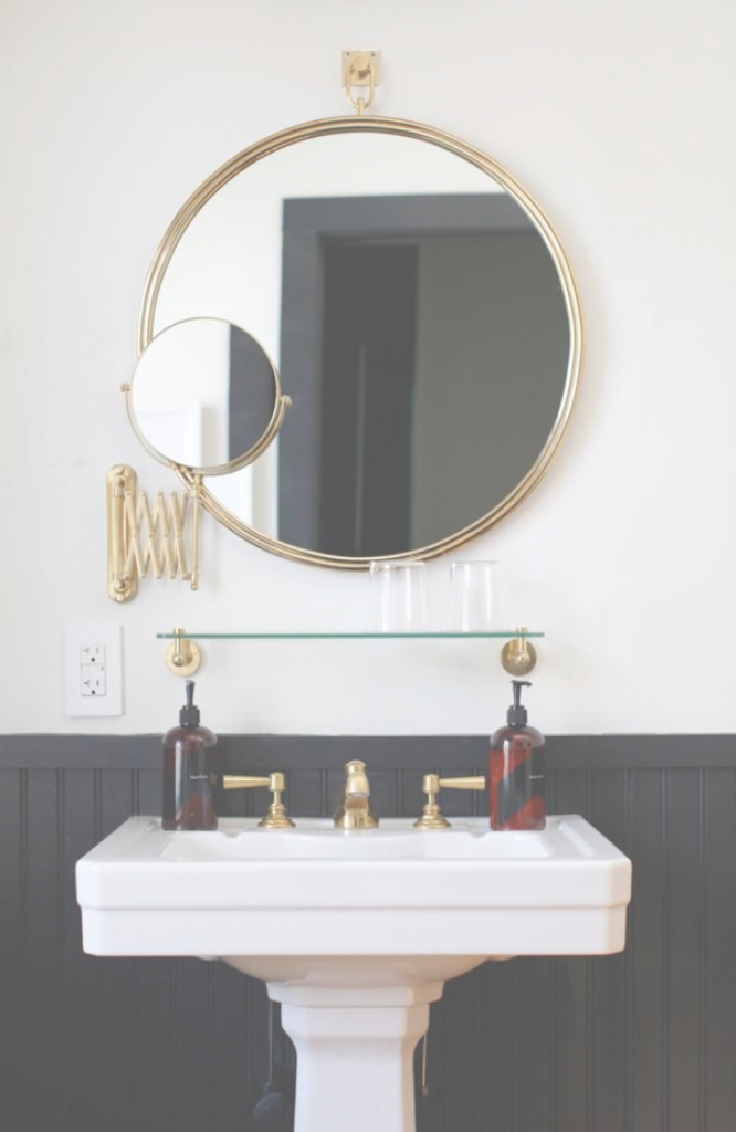 Fabulous Black + White Bathrooms | Dans La Salle De Baindwellstudio inside Inspirational Gold Bathroom Mirror