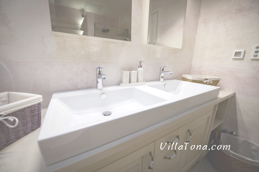 Fabulous Modern And Clean Sinks - Villa Tona with New Large Bathroom Sinks
