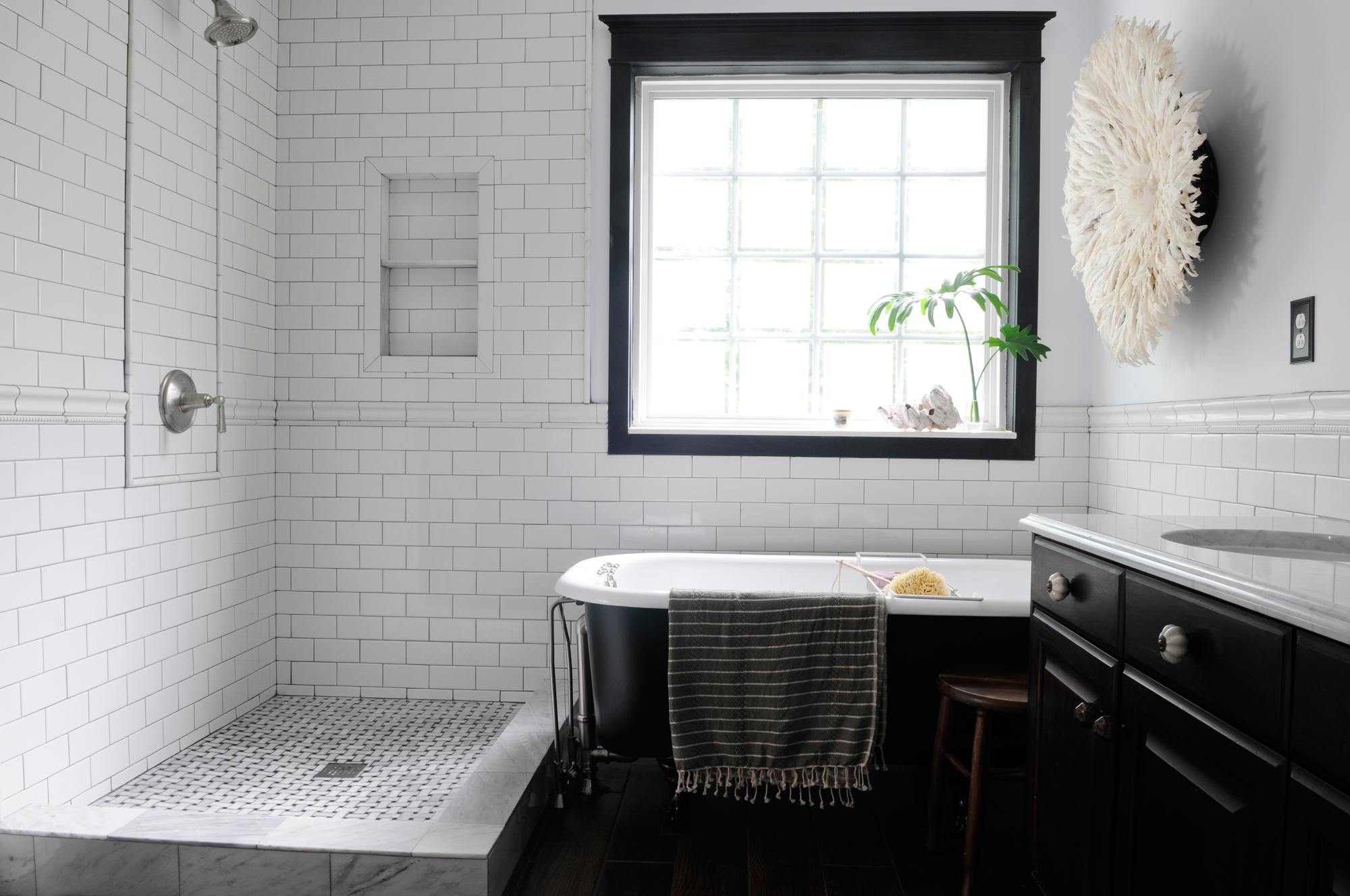 Fabulous Retro Bathroom Design Ideas More - Gmm Home Interior | #27716 in Vintage Black And White Bathroom Ideas
