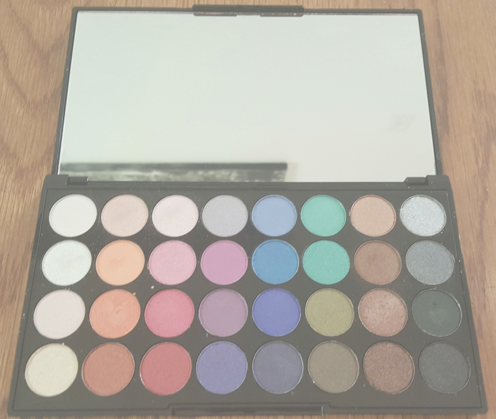 Fabulous Review, Swatches, Photos: Makeup Revolution Mermaids Forever 32 in 32 Color Palette