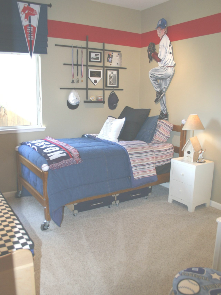 Fabulous Sports Bedroom Decor New Ideas Awesome Baseball with Awesome Sports Themed Bedroom Decor