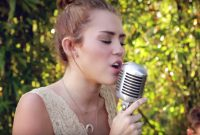 Fabulous The 20 Best Miley Cyrus Covers: Watch | Billboard in Best of The Backyard Sessions