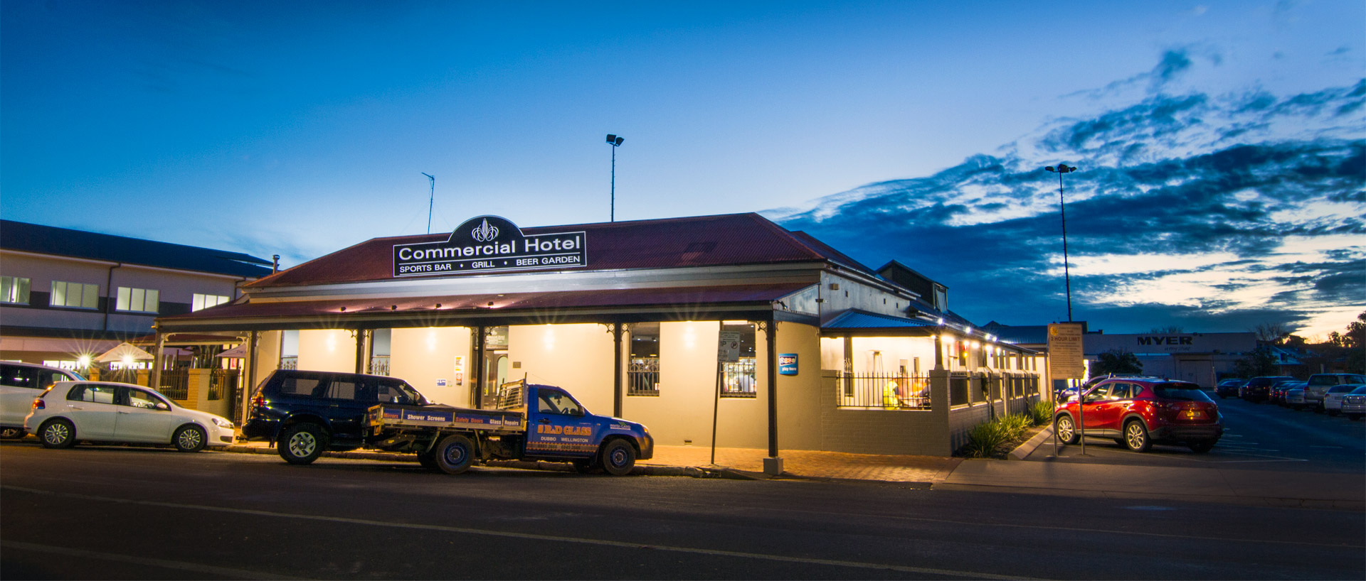 Fabulous The Commercial Hotel- Dubbo Pub With Beer Garden & Large Courtyard with Fresh Garden Hotel Dubbo