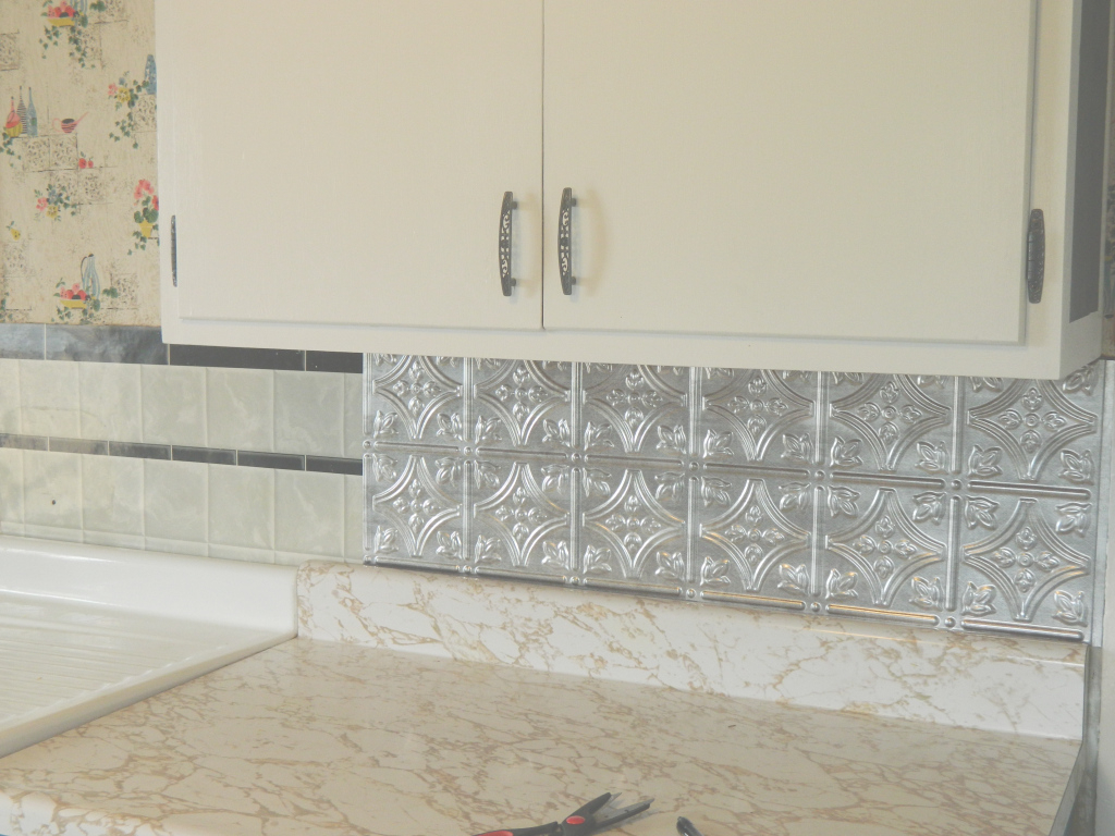 Fancy Diy 5 Steps To Kitchen Backsplash No Grout Involved With Elegant How A