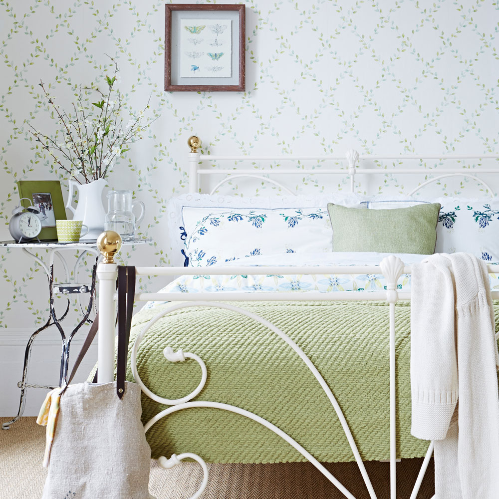 Glamorous Small Bedroom Ideas – Small Bedroom Design Ideas - How To Decorate intended for Unique Vintage Bedroom Ideas For Small Rooms
