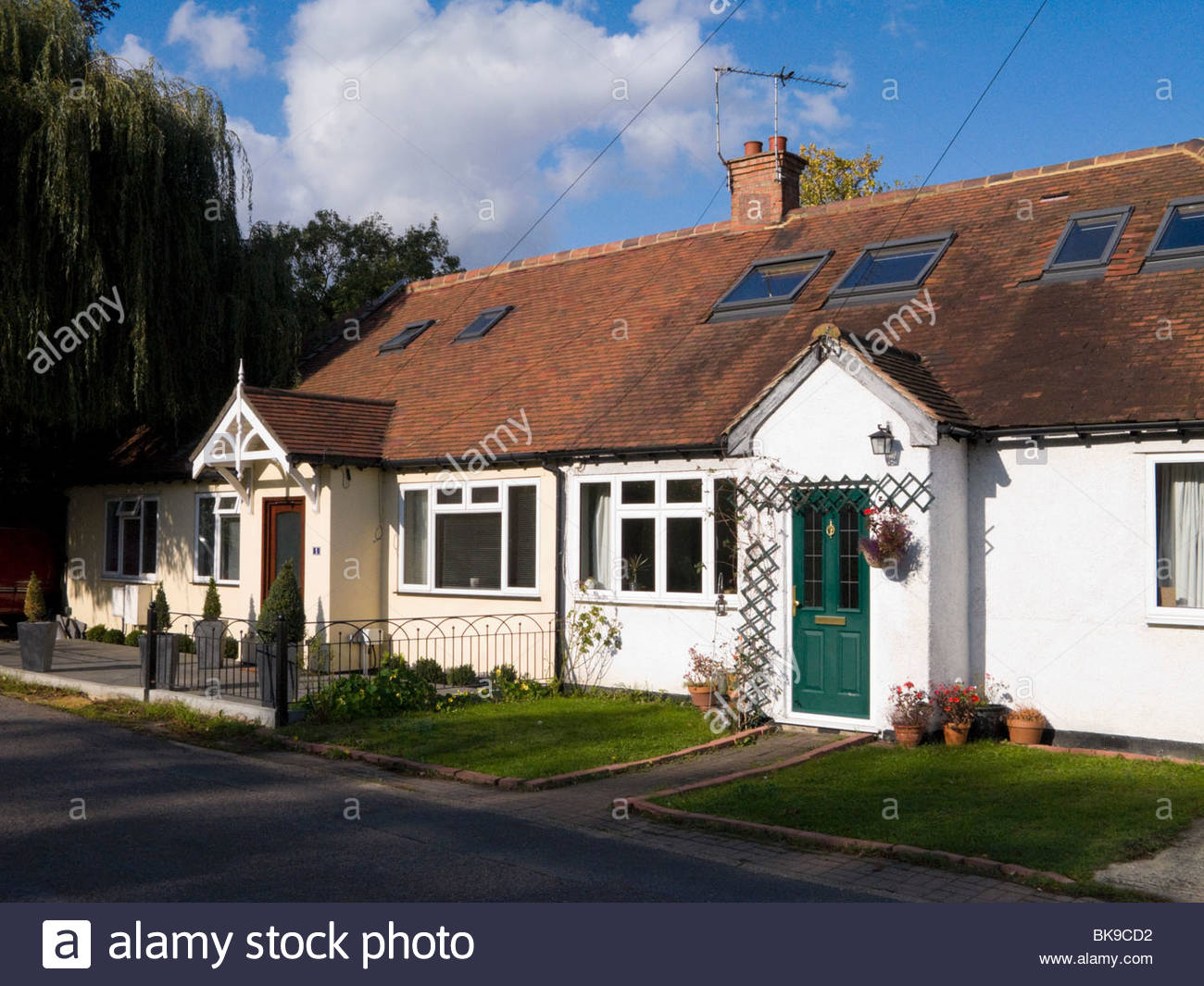 Inspirational A Terrace Of Bungalow Homes / Houses In Lower Sunbury, Surrey. Uk with regard to Bungalow Homes