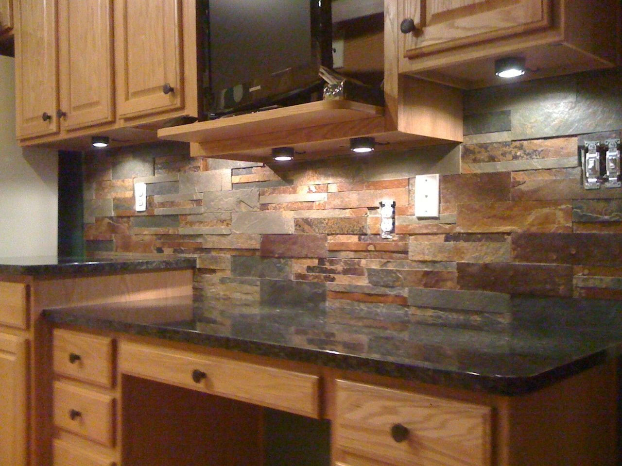 Inspirational Natural Stone Backsplash Natural Stone Backsplash With White throughout Unique How To Install Stone Backsplash