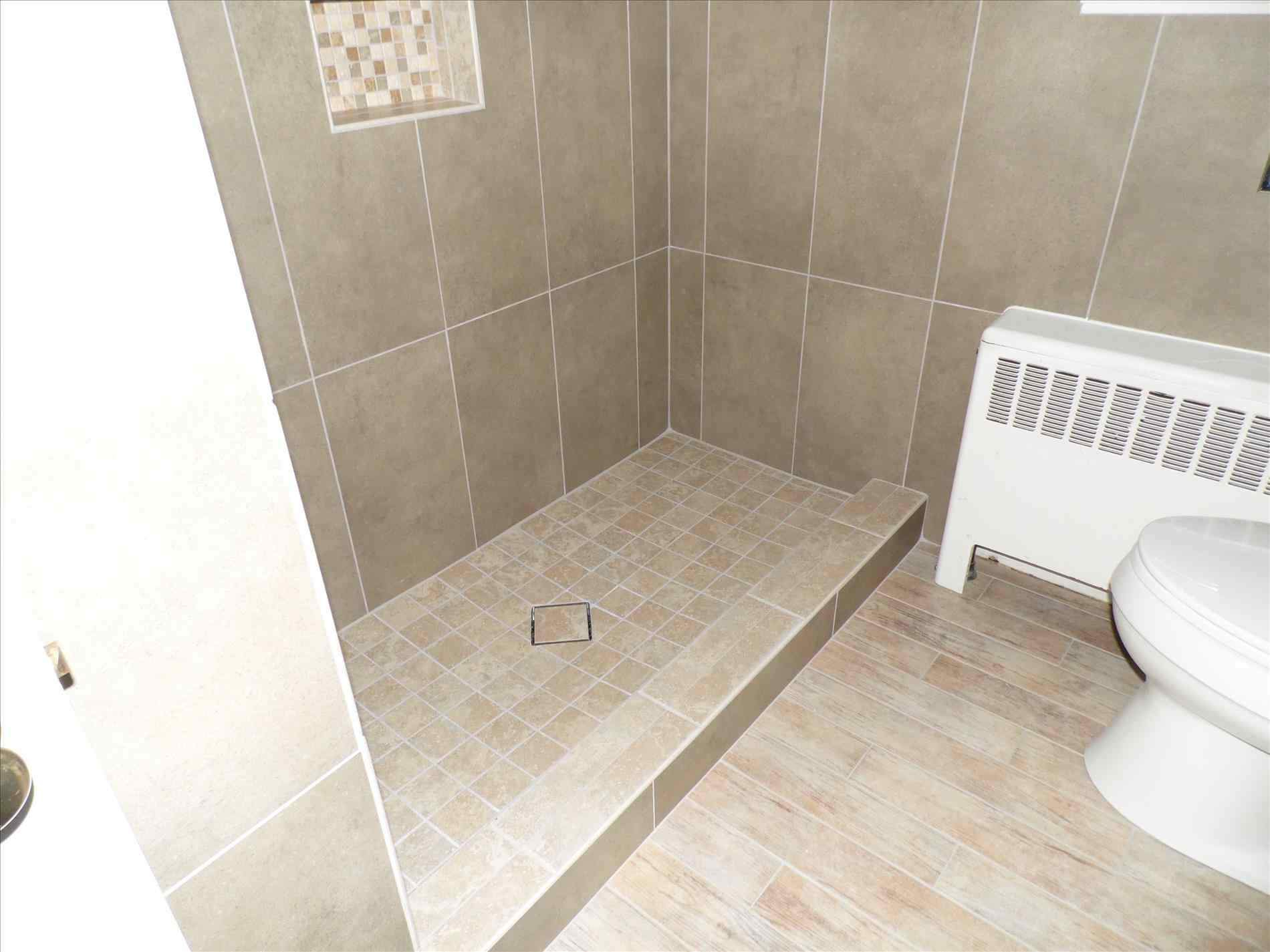 Lovely Best Tile For Small Bathroom Floor Suitable Small Bathroom Floor for Best Tile For Small Bathroom Floor