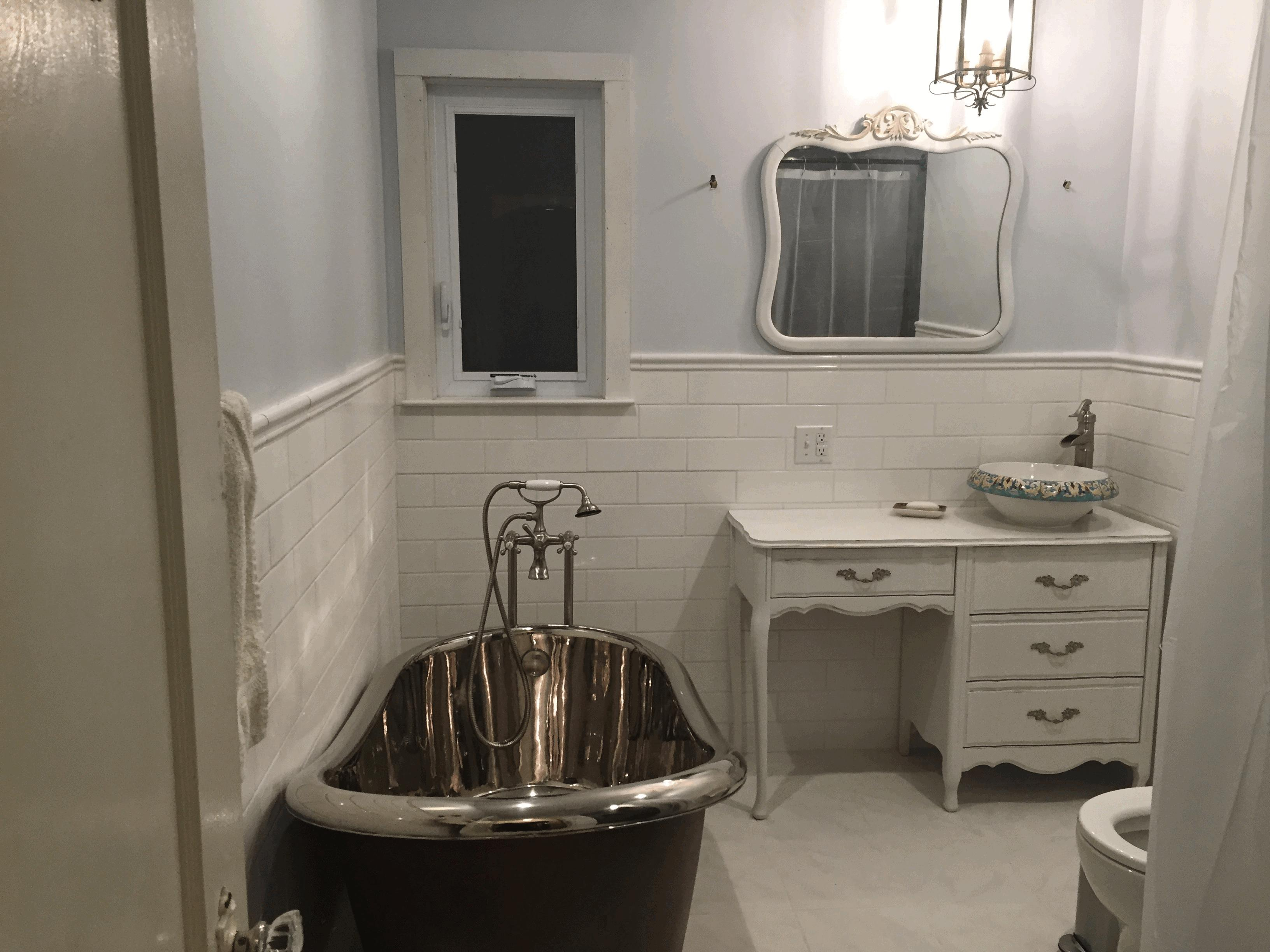 Lovely Country French Bathrooms White Porcelain Alcove Bathtub Smooth Oval inside Oval Room Blue Bathroom