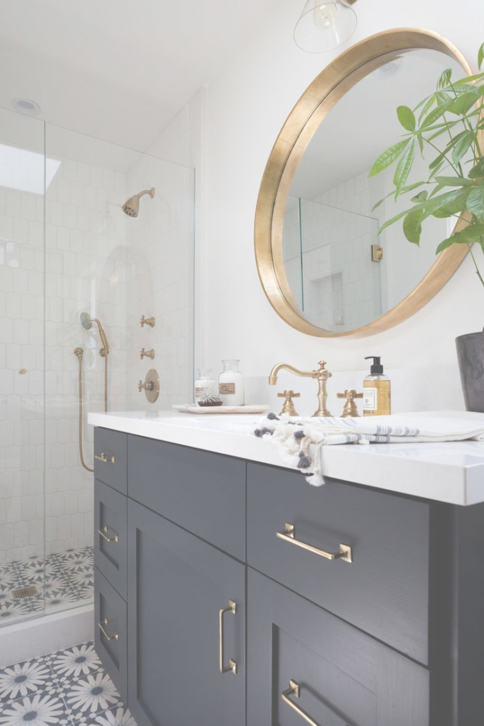Lovely Gold Trim And Navy Cabinets. This Bathroom Makes Me Happy | ✦ Daily intended for Gold Bathroom Mirror