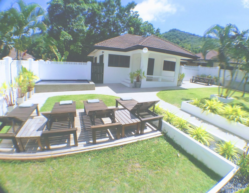 Lovely Jitsin Villa, Koh Tao ** within Akari Bungalows