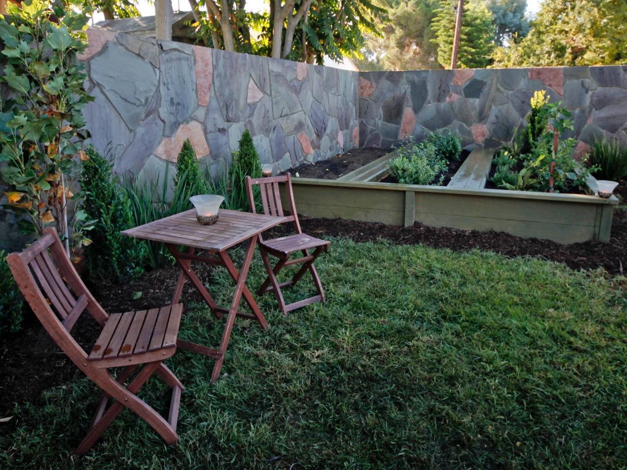 Modern Small Backyard Landscape Design | Hgtv in Small Backyard
