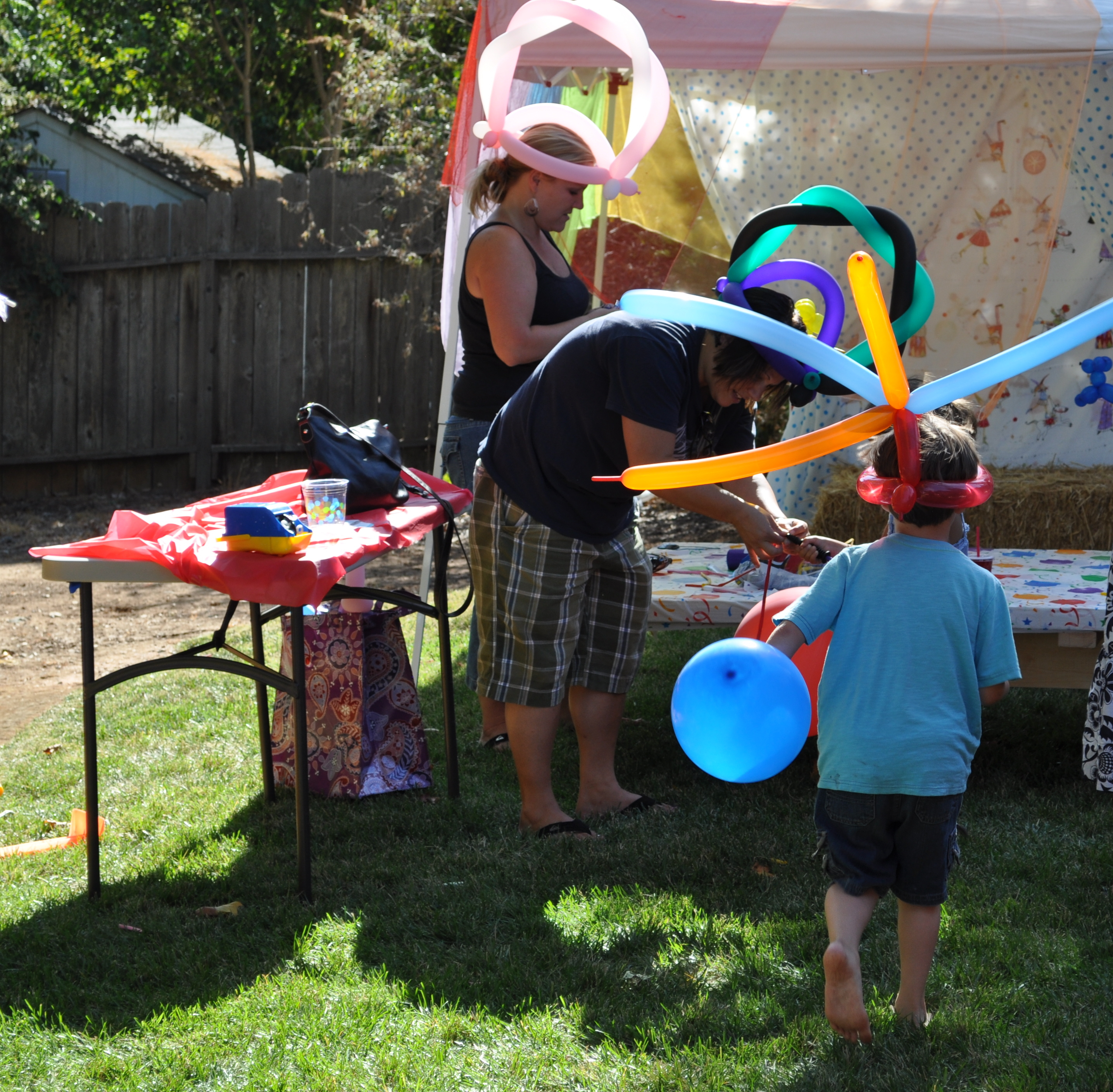 Modular Party On A Budget: Backyard Carnival Party | Catch My Party in Backyard Carnival