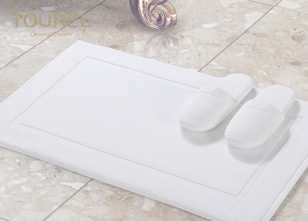 Modular Sanitized Logo Hotel Non Slip Bath Mat / White Bathroom Floor Mats in Bathroom Floor Mat