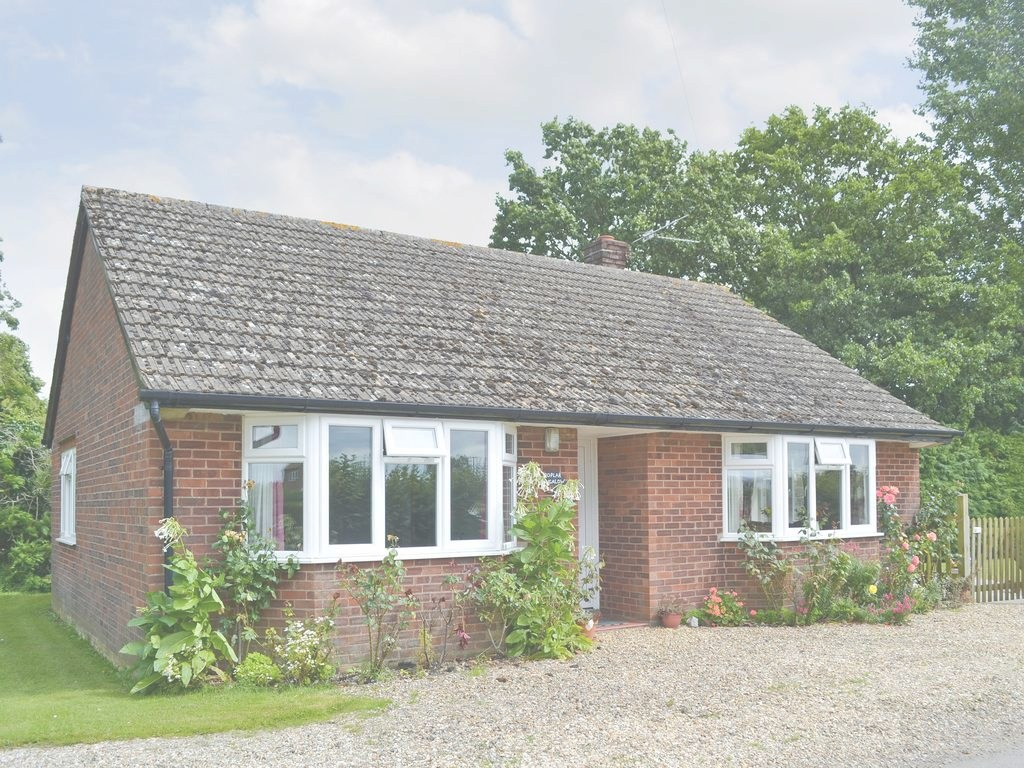 Amazing Poplar Bungalow, Lyng, Uk - Booking regarding Best of What Is A Bungalow Uk