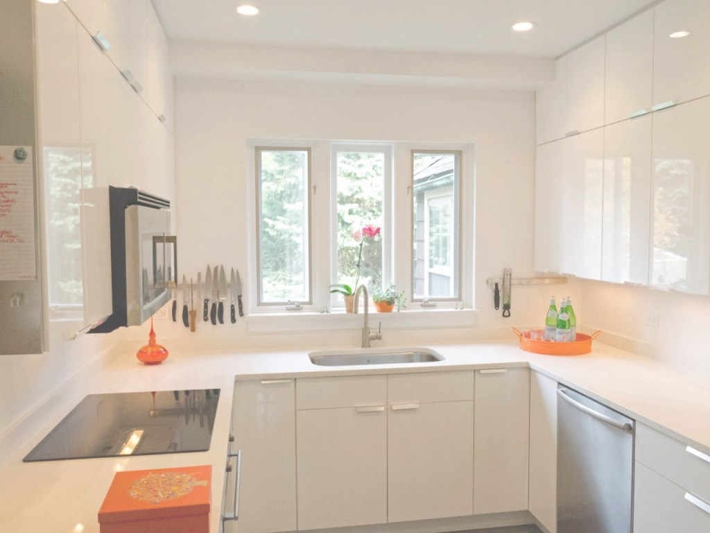 Cool Countertops For Small Kitchens: Pictures & Ideas From Hgtv | Hgtv pertaining to Best Colors For Small Kitchen