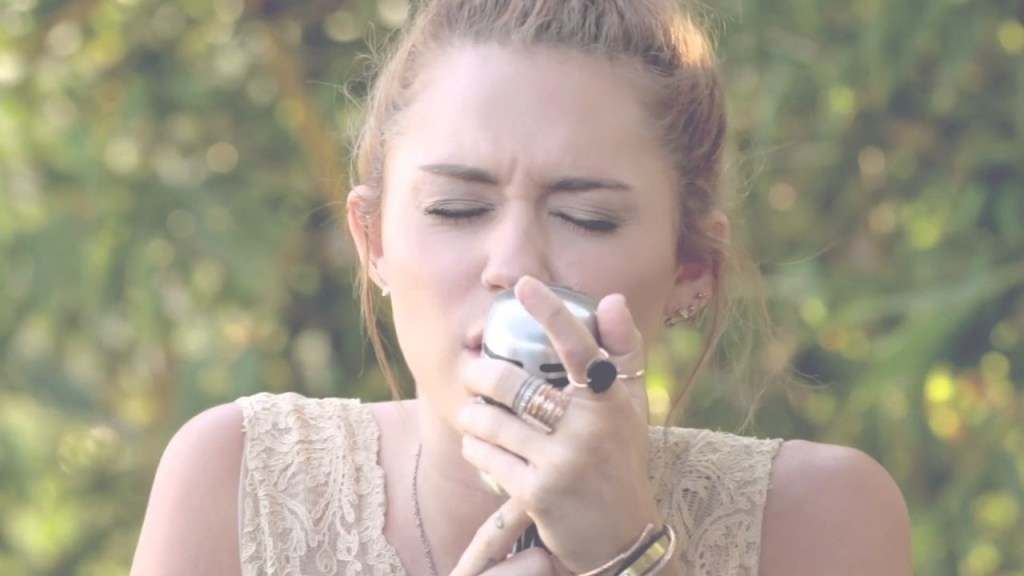 "Lovely Miley Cyrus - The Backyard Sessions - ""jolene"" - Youtube inside Luxury Miley Cyrus Backyard Sessions"