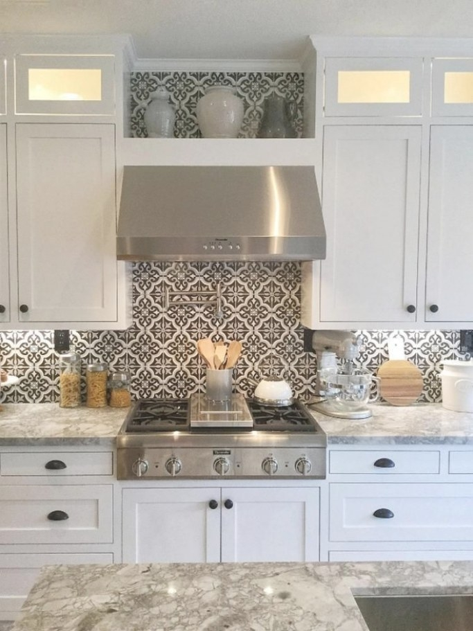 10 Best Ways To Install New Kitchen Backsplash: Easy Tips with Best Way To Remodel Kitchen