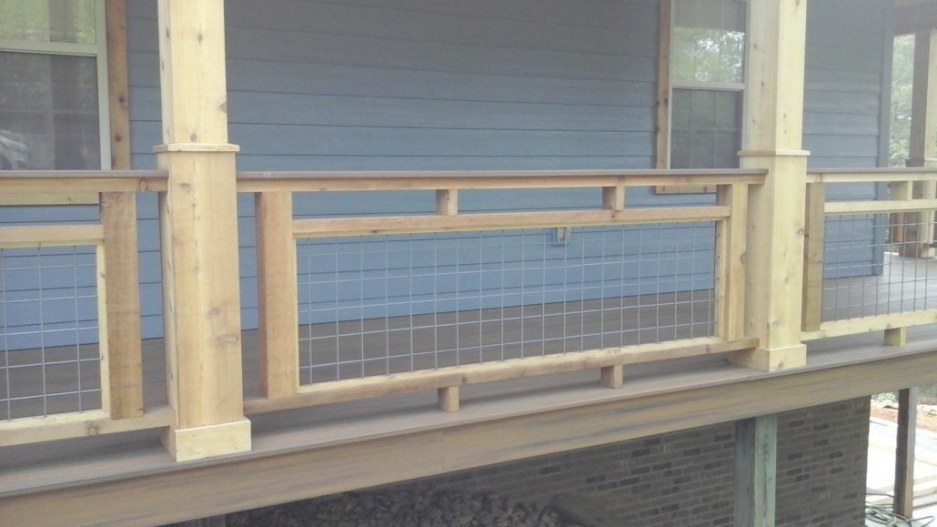 17 Awesome Hog Wire Fence Design Ideas For Your Backyard in Hog Wire Deck Railing