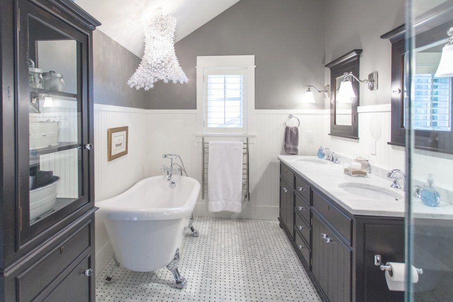 17+ Charcoal Bathroom Designs, Decorating Ideas | Design with White And Grey Bathroom