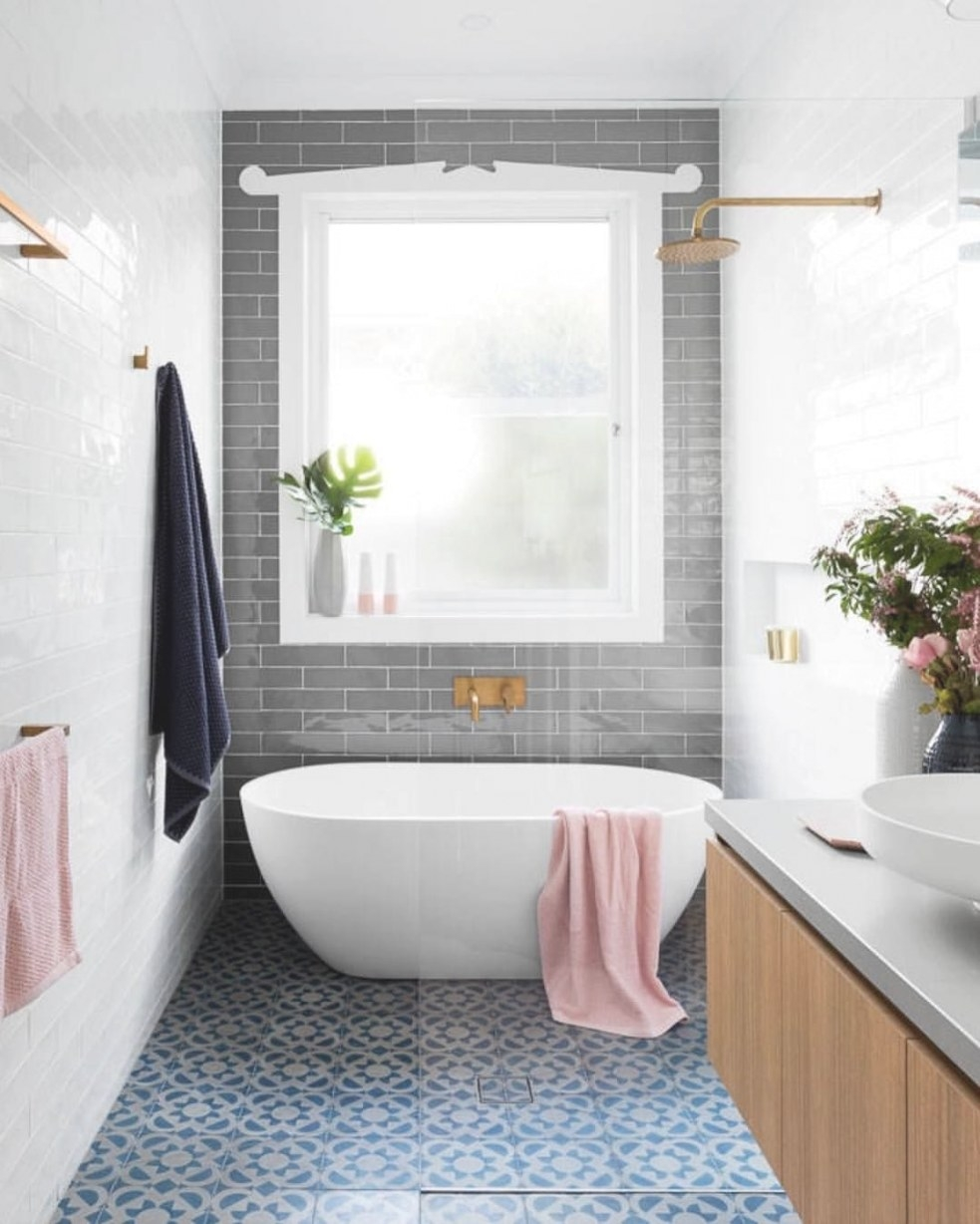 Combined Tub Shower Combo | Classic Bathroom, Bathroom with Soaking Tub Shower Combo