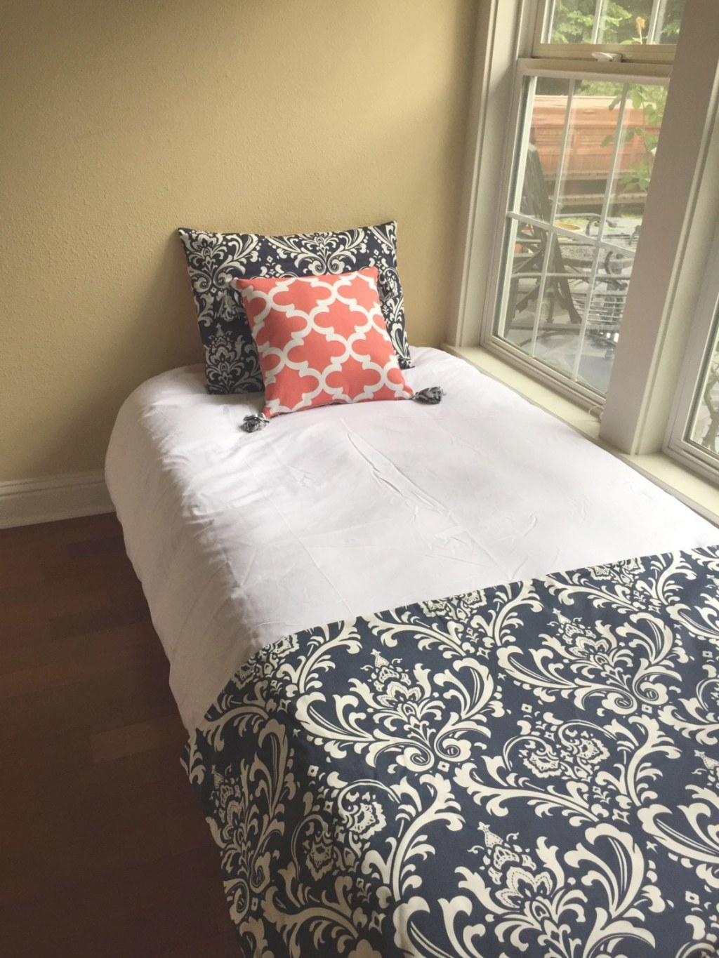 Dorm Bedding Ensemble Navy And Coral for Navy And Coral Bedroom