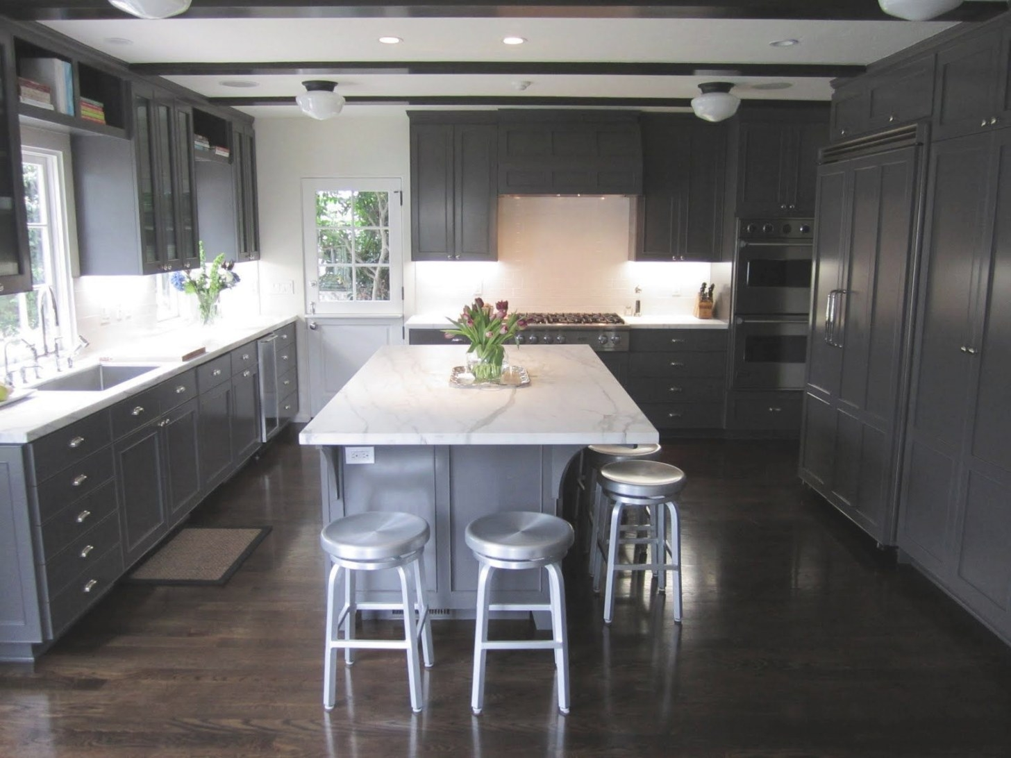 Exclusive: Kitchen Couture - An Elegant California Classic for Dark Hardwood Floors Kitchen