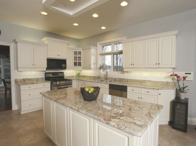 Exquisite Home Design With Sienna Bordeaux Granite: Fresh with White And Beige Kitchen
