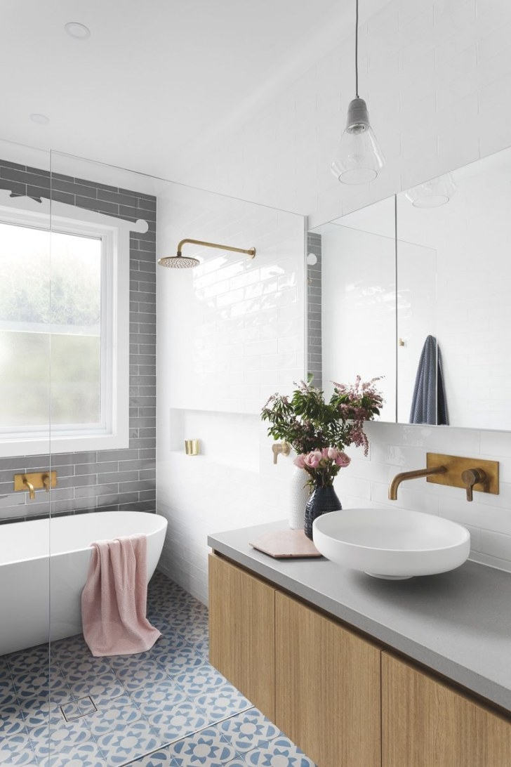 Gray Subway Tiling In A Serene Pink & White Bathroom with regard to Green And Gray Bathroom