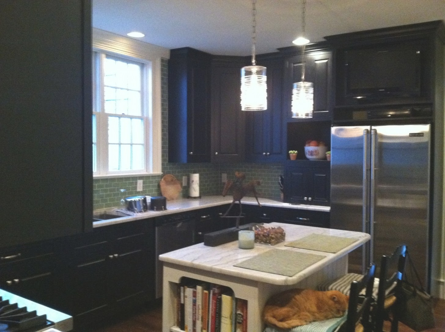 Horse Country Chic: Another Black Kitchen throughout Black Kitchen Cabinets Small Kitchen