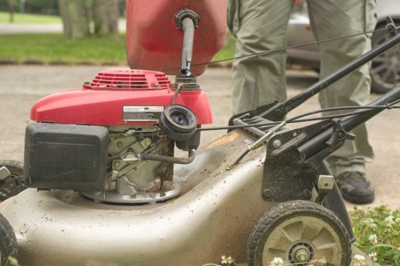 How To Fix A Flooded Lawn Mower Engine (With Pictures) | Ehow for Briggs And Stratton Lawn Mower Won'T Start After Sitting