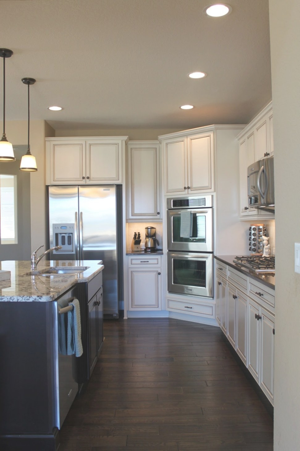 Kitchen White Cabinets Dark Wood Floors - 20 Tips For regarding Dark Hardwood Floors Kitchen