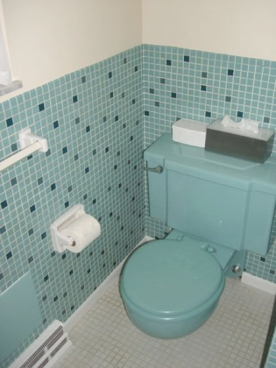 Scenes From 22 Blue Midcentury Bathrooms - Retro Renovation regarding Vintage Blue Tile Bathroom