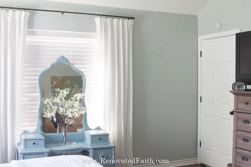 Sherwin Williams Silver Strand Review (What You Should Know!) with Sherwin Williams Silver Strand